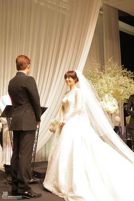 sunye_wonder_girls_married-20130129-022-rita
