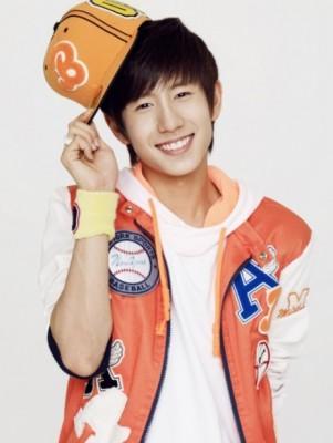 boyfriend-no-min-woo-301x400