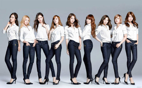 snsd_in_white_shirts_and_je